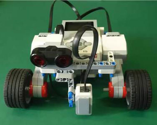 Build LEGO EV3 MindStorms robot YayaBot